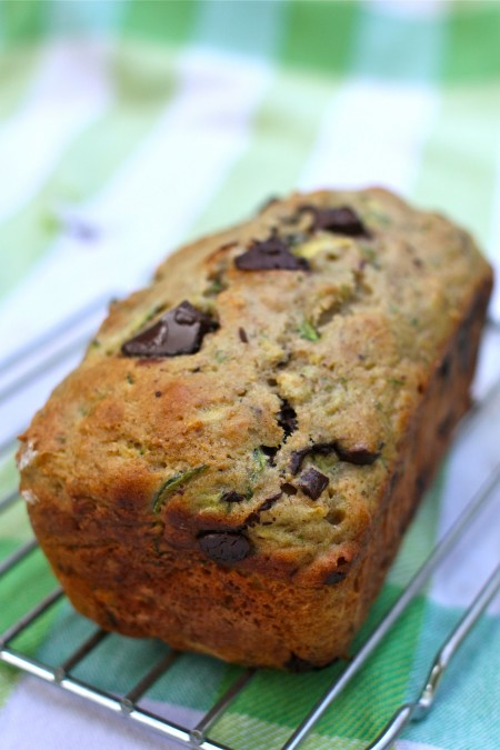 Whole-Wheat Zucchini Bread with Cinnamon & Dark Chocolate Chunks and more recipes for healthy chocolate zucchini bread on MyNaturalFamily.com #zucchini #chocolate #bread #recipe