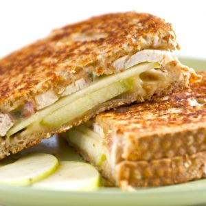 apple chicken panini