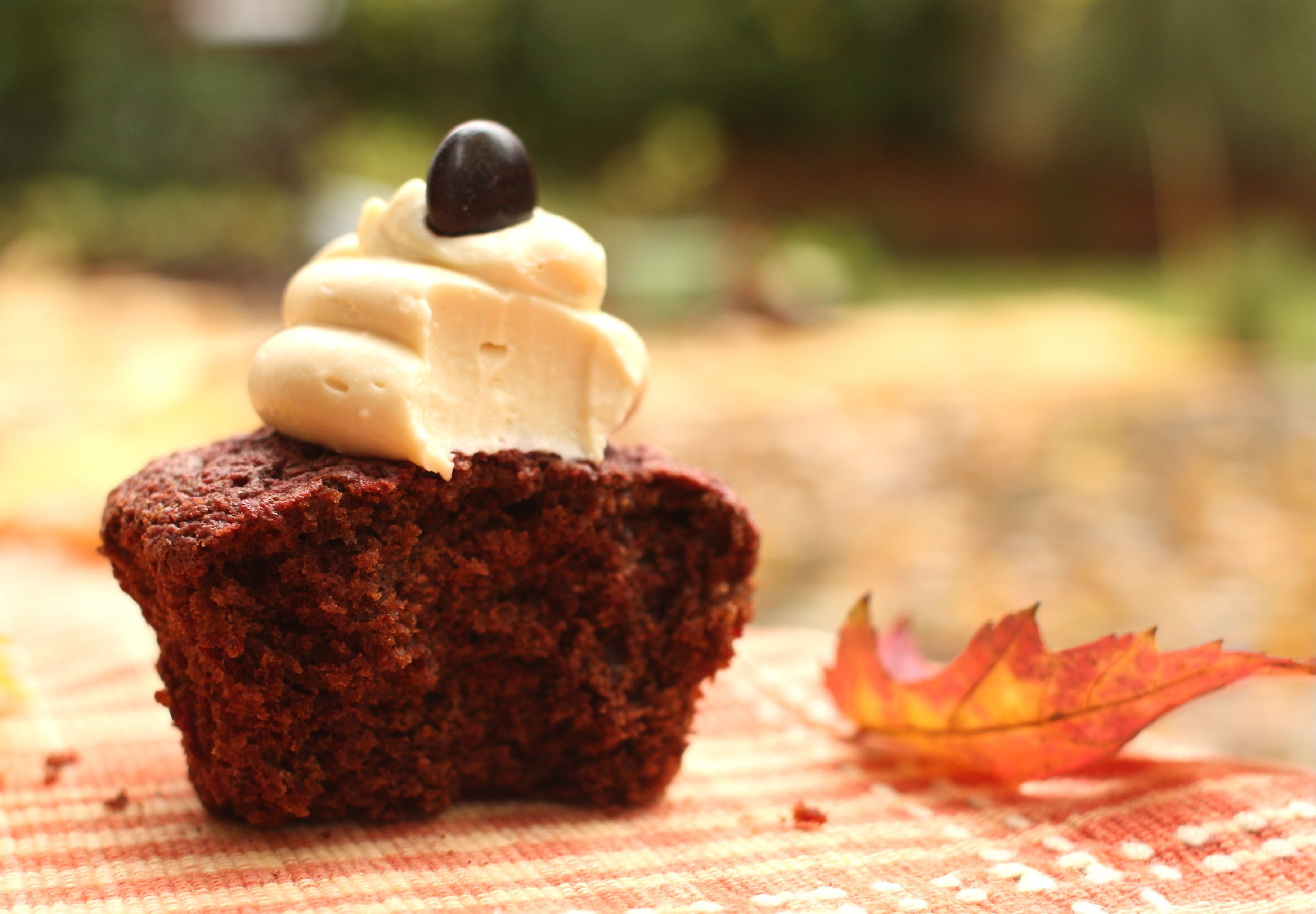 Chocolate Beet Cupcakes with Maple Cream Cheese Frosting | Simple ...