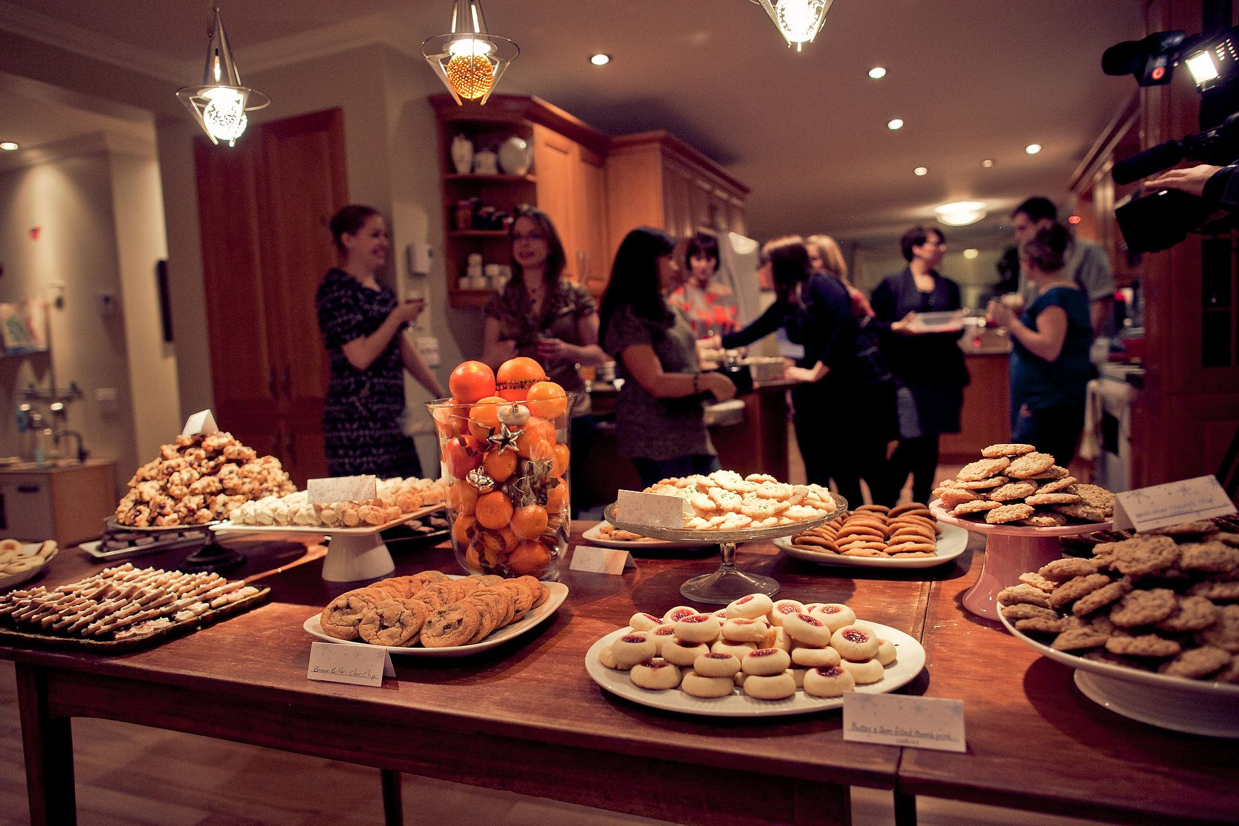 Chocolate, Charity & Cheer: Tips for Hosting a Christmas Cookie ...