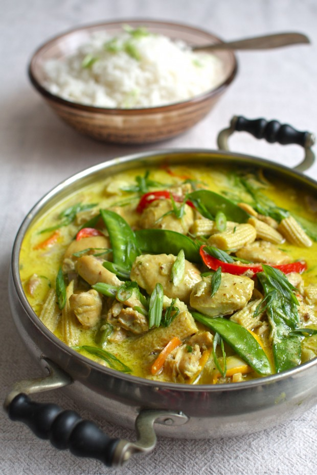 Slow Cooker Coconut Chicken with Vegetables