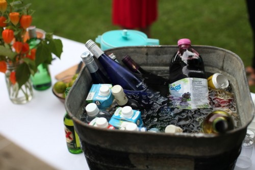 keep party drinks cool in a galvanized tub