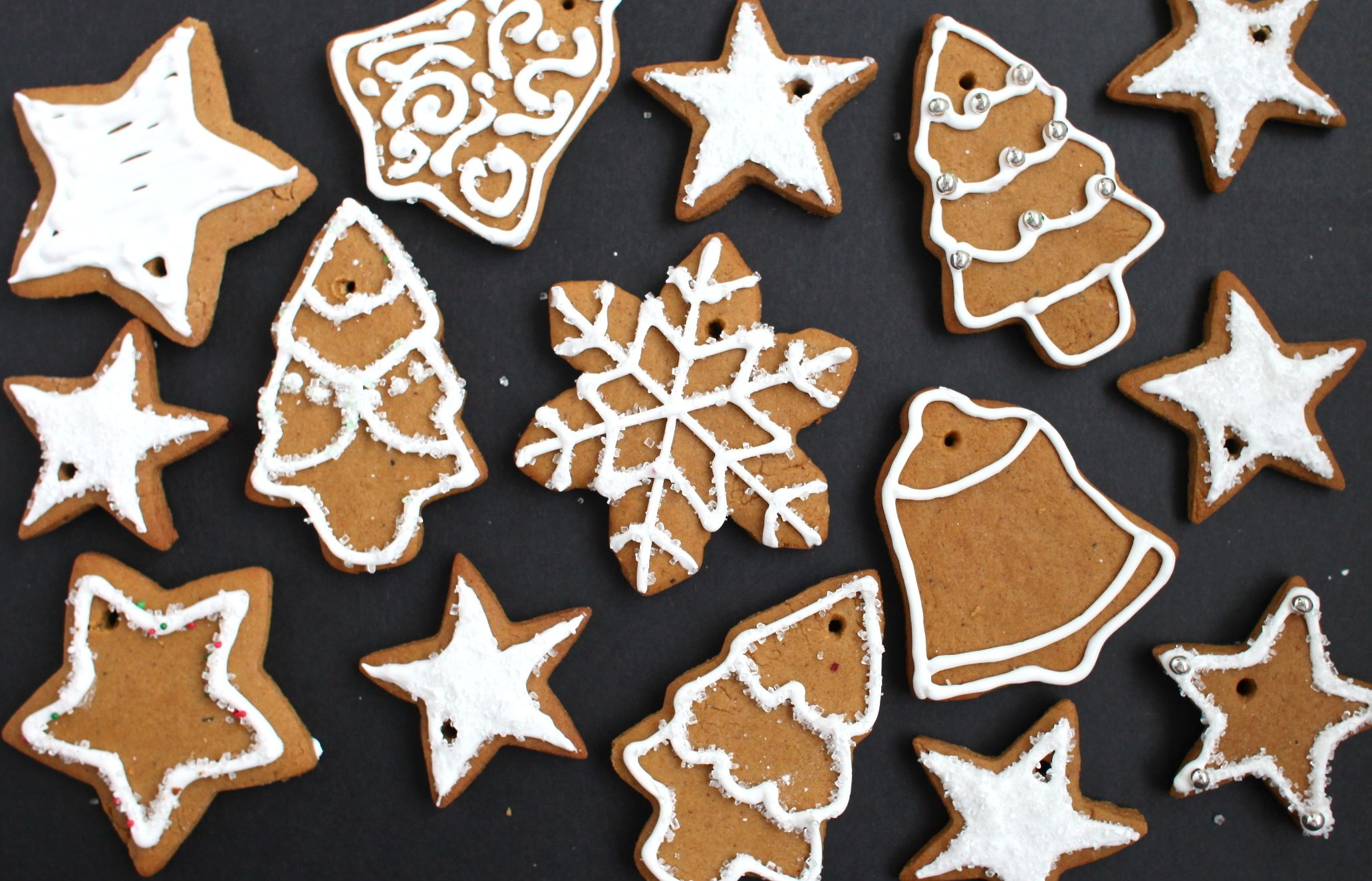 Easy gingerbread cookie ornaments recipe