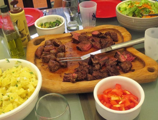 asado-meal-on-table
