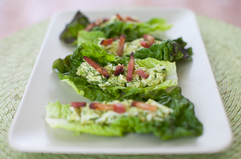 Avocado Egg Salad Lettuce Wraps with Bacon (paleo, dairy-free ...