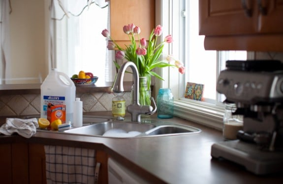spring cleaning with natural ingredients on simplebites.net