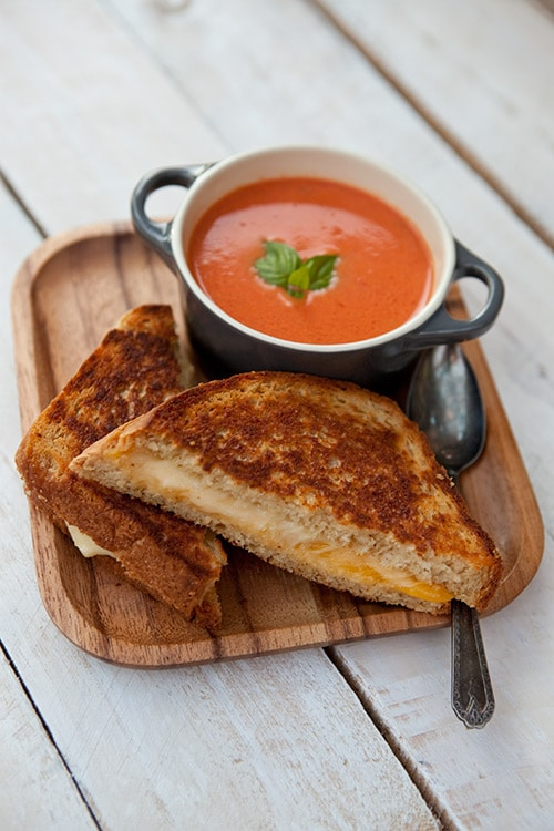 tomato-soup-bread