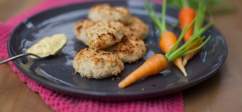 Homemade lunchbox chicken nuggets on simplebites.net #schoollunch