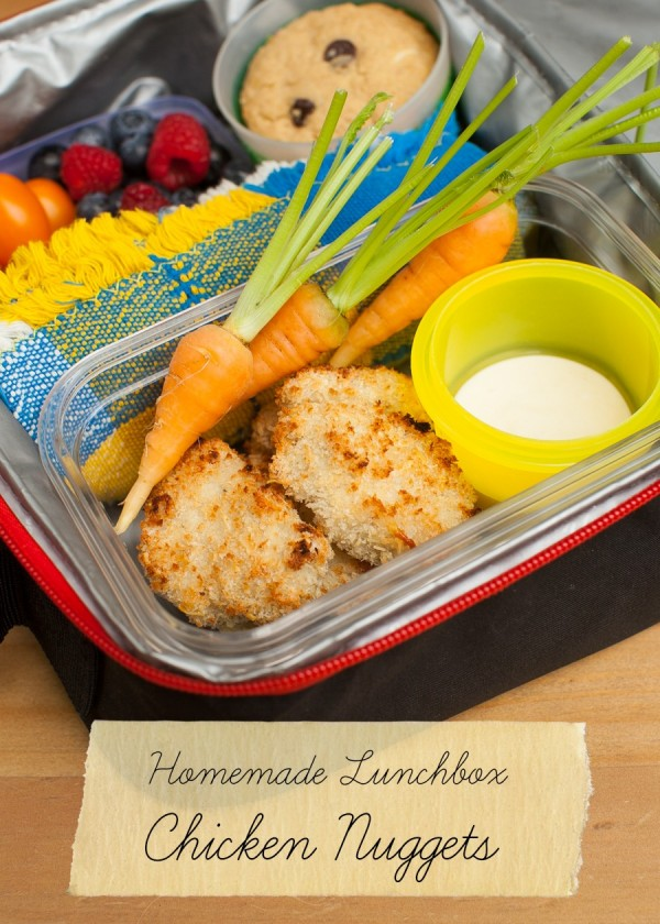 Homemade lunchbox chicken nuggets n simplebites.net #schoollunch