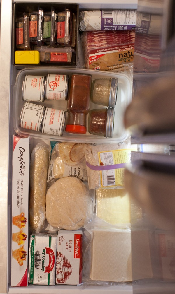 Simple Bites Kitchen Tour: Fridge & Freezer Organization #kitchen #hacks