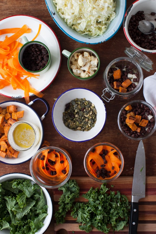 Do-ahead winter salads in jars. www.simplebites.net #salad #lunches #realfood