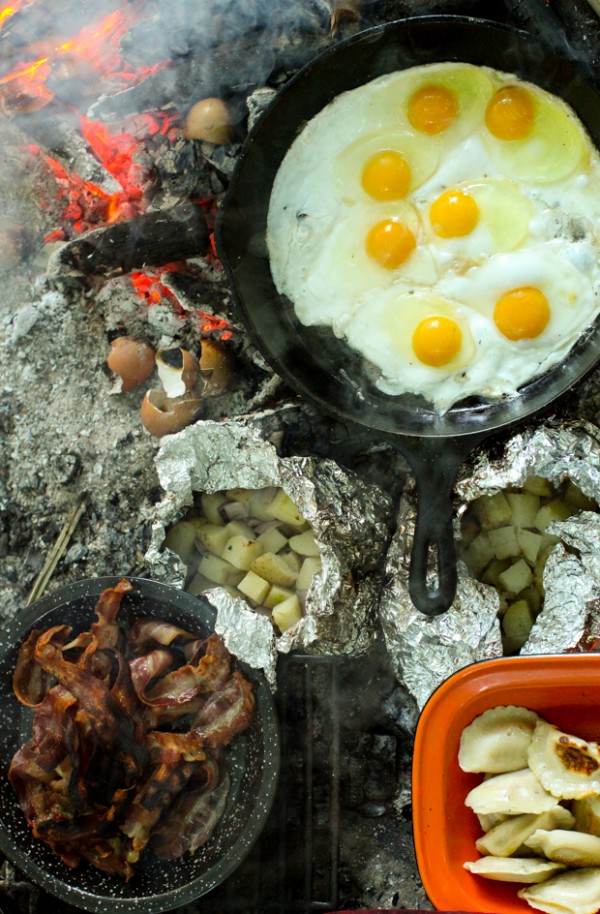 An authentic campfire breakfast (Recipe: Sour Cream & Onion Potato Packets)   Simple Bites #recipe #breakfast #camping
