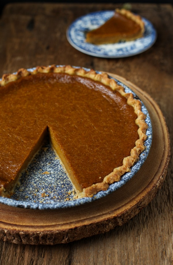 Rich spiced dairy-free pumpkin pie | Simple Bites