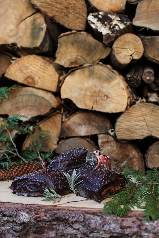 Bûche de Noël / Yule Log / Chocolate Hazelnut Roll   Simple Bites #kidsinthekitchen #baking