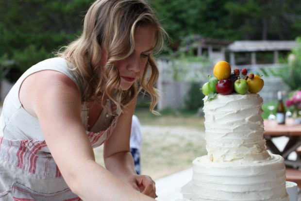 Wedding cake decorating | Simple Bites