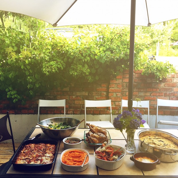 Dinner in the garden | Simple Bites