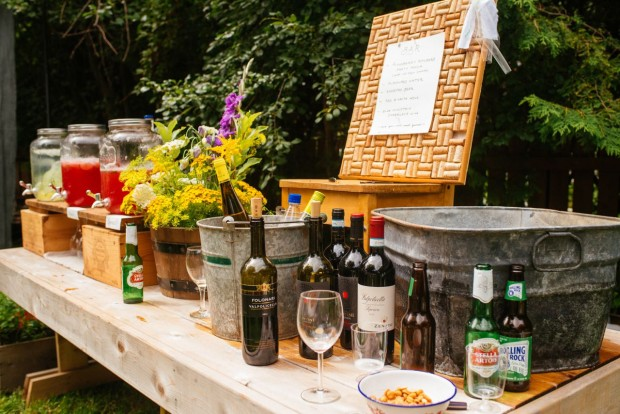 how to set up a functional outdoor bar simple bites
