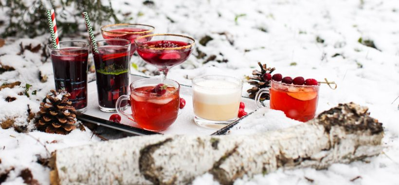 7 hot and cold holiday drinks || Simple Bites