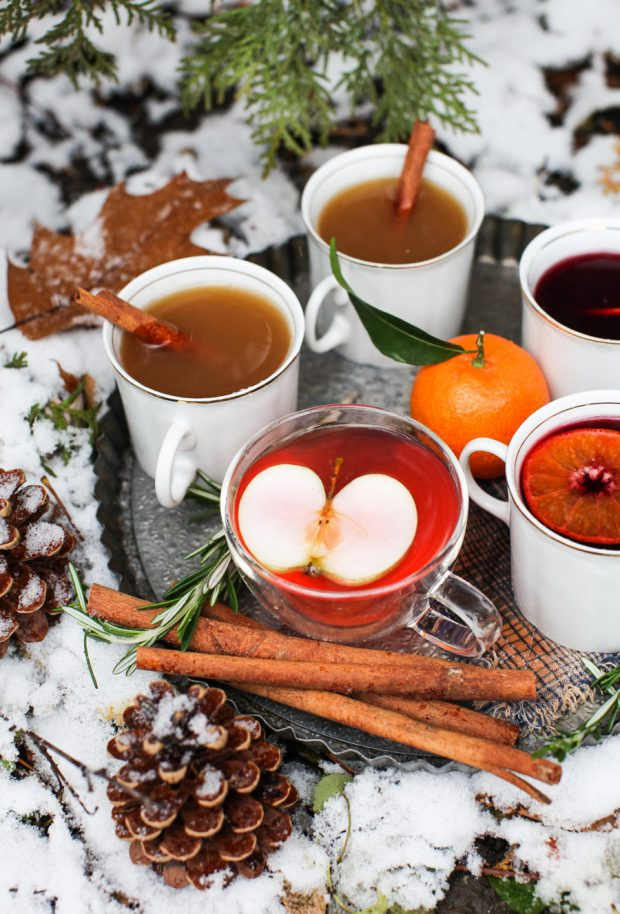 7 festive hot and cold beverages for the holidays || Simple Bites