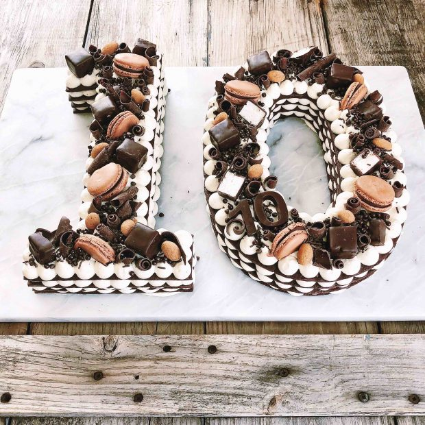 Theres A Number Cake Trend That Has Caught My Eye On Pinterest And Instagram Recently These Cakes Are Shaped Like Big Numbers 16 30 75whatever The